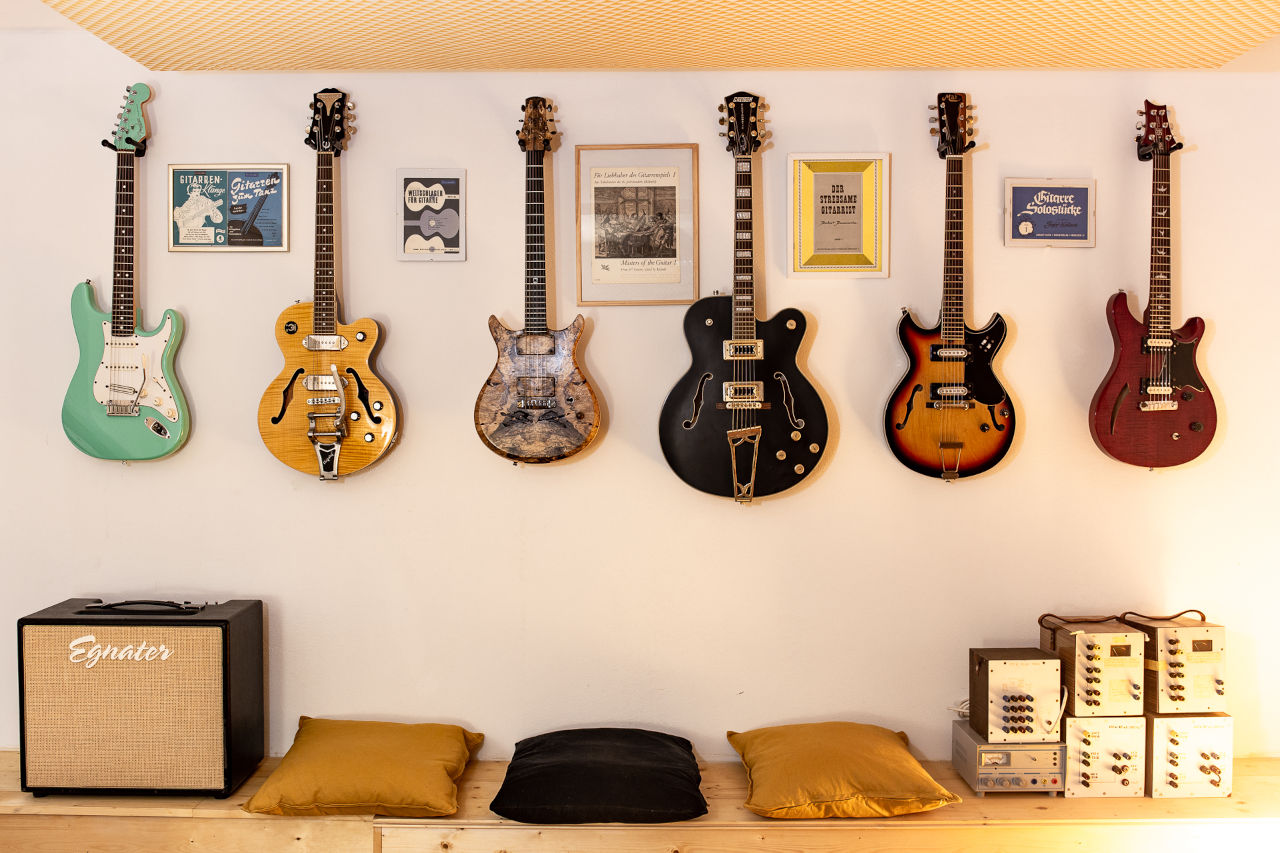 Zonkey Studio Guitars